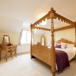 Maple Cottage - four poster queen bedroom